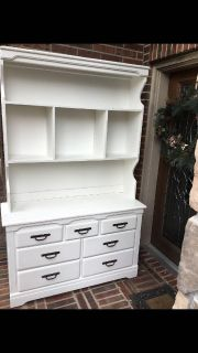 Solid oak hutch with drawers