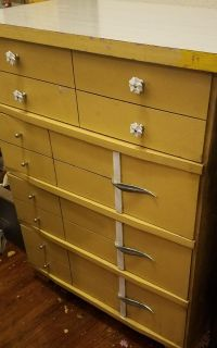 Vintage Mid Century 4 Drawer Chest of Drawers
