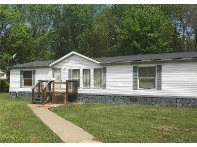 3 Bed 2 Bath Foreclosure Property in House Springs, MO 63051 - Woodruff Dr