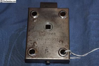 62 and down rear door mechanism