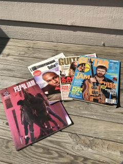 Guitar books and magazines. Dek/syc delivery