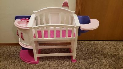 Baby doll crib/changing station