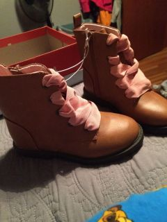 Cat jack boots size 11 new in the box
