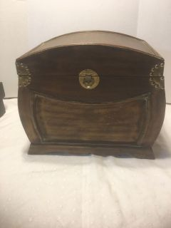 Wood chest trunk