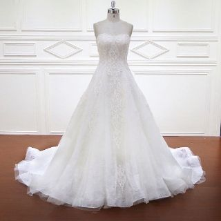 Arletta's Elegant Strapless Lace Crystal Wedding Dress