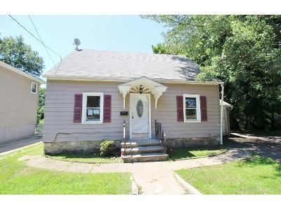 3 Bed 1 Bath Foreclosure Property in Waterbury, CT 06705 - Frost Rd