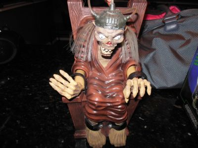 Tale's from the Crypt Monster Shaking Figure