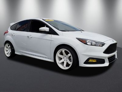 2018 Ford Focus ST (Oxford White)