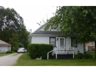1 Bed 1 Bath Foreclosure Property in Cuba, IL 61427 - N 1st St