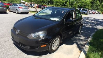 2010 Volkswagen Golf Base PZEV (black)