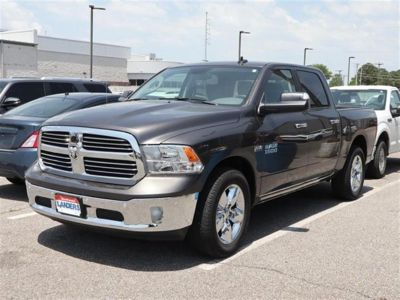 2017 RAM 1500 Big Horn 4x2 Crew Cab Box (Gray)