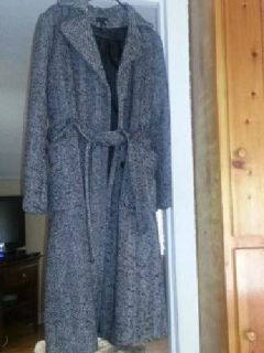 $40 Beautiful long wool winter coat size L (42)