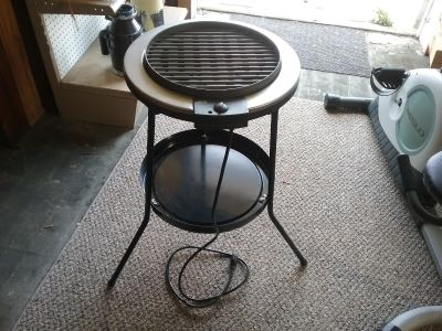 Ako electric grill with stand