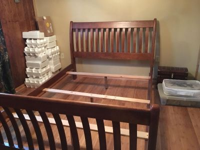 Mission sleigh bed