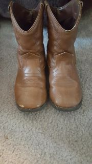 Toddler boy boots size 10