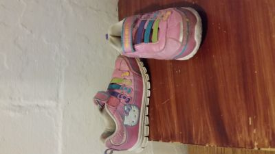 Hello Kitty Shoes 10m