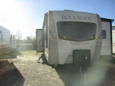 2017 Rockwood 8328 BS