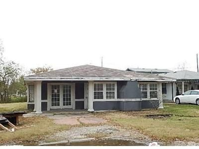 4 Bed 1 Bath Foreclosure Property in Gregory, TX 78359 - Childress Dr