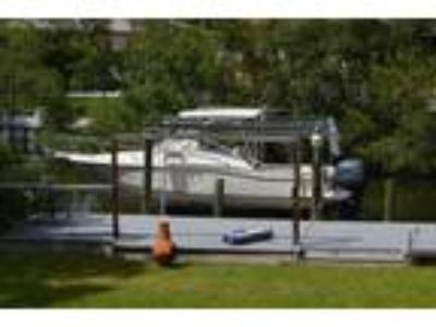 24' Scout 242 Abaco 2005