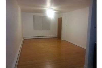 $700 / 1br - FIRST FLOOR RENOVATED 1 BEDROOM APT!!