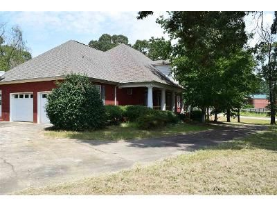 4 Bed 3.5 Bath Foreclosure Property in Lincoln, AL 35096 - Wyatt Blvd