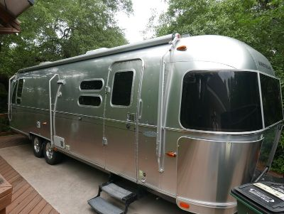 2014 Airstream Flying Cloud 30 Queen