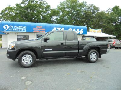 2009 Toyota Tacoma Base (Black)