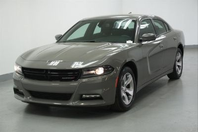 2018 Dodge Charger SXT (Gray Clearcoat)