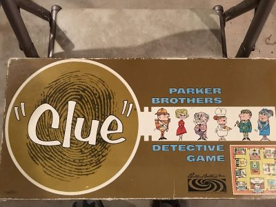 Vintage CLUE game- missing one white token