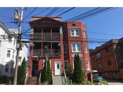 6.0 Bath Preforeclosure Property in New Bedford, MA 02746 - Deane St