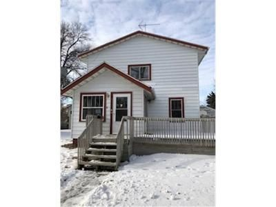 4 Bed 2 Bath Foreclosure Property in Willmar, MN 56201 - 3rd St SE