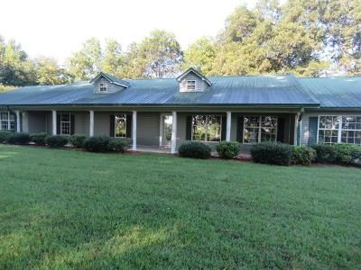 4 Bed 3 Bath Foreclosure Property in Altheimer, AR 72004 - Embry Rd