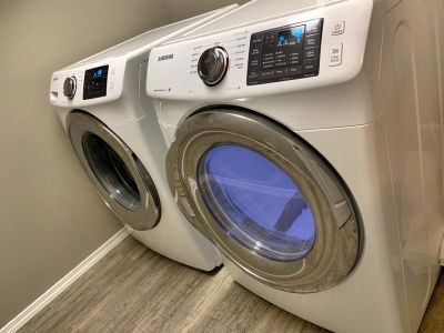 Samsung front-load washer & dryer (like new)