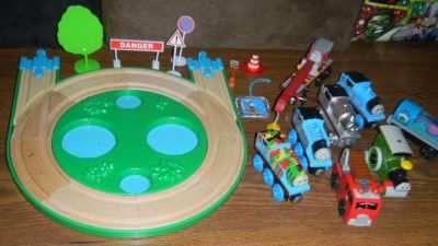 Thomas the Tank Engine Train & Friends Wooden Wood Trains Lot RARE ONES