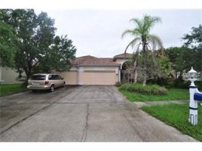 GREAT OPPORTUNITY TO OWN THIS 6 BEDROOM 3 BATH POOL HOME