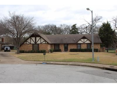 3 Bed 2.5 Bath Preforeclosure Property in Duncanville, TX 75137 - Birdwood Cir