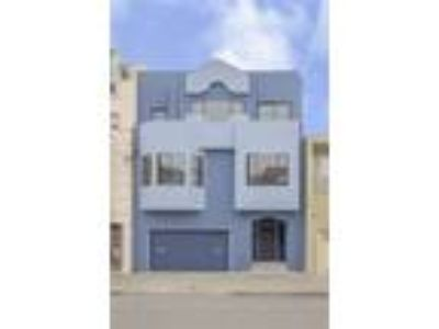 Spacious Duplex in the Outer Richmond District!