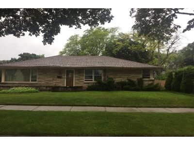 3 Bed 3 Bath Preforeclosure Property in Milwaukee, WI 53218 - N Houston Ave