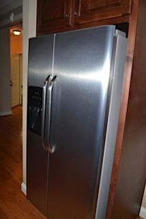 26-CU.FT. FRIGIDAIRE SIDE-by-SIDE REFRIGERATOR