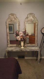 Entryway table, 2 matching mirrors and flower arrangement