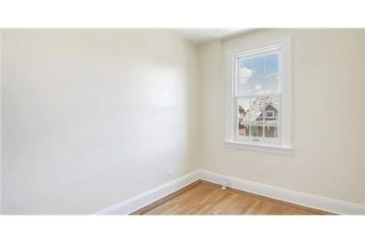 2 bedrooms Townhouse - This beautiful top floor.