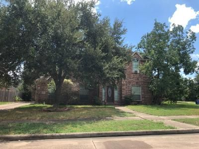 Preforeclosure Property in Dickinson, TX 77539 - Lookout Ln
