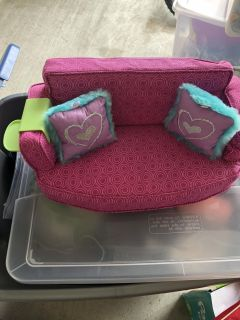 American Girl Truly U 18 Inch Doll Couch & Pillows