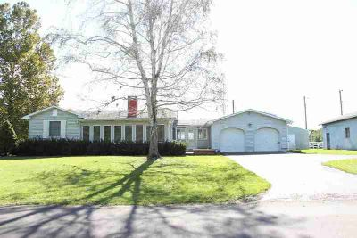 5340 E Harrison Street Bowling Green, Lots of potential for