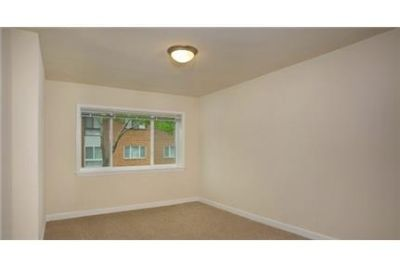 Pet Friendly 2+1 Apartment in Oxon Hill. Parking Available!