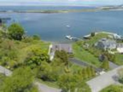 Real Estate For Sale - Eight BR, 4 1/Two BA 2 story - Waterfront - Waterview