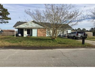 3 Bed 2 Bath Preforeclosure Property in Jacksonville, NC 28546 - Hearthstone Ct