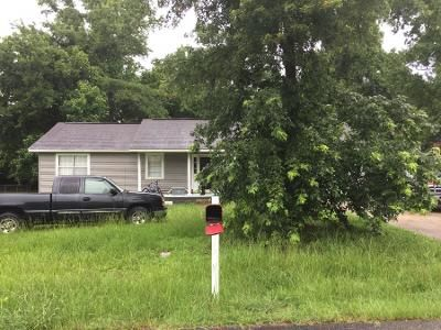 3 Bed 1 Bath Preforeclosure Property in Pleasant Grove, AL 35127 - 10th Way