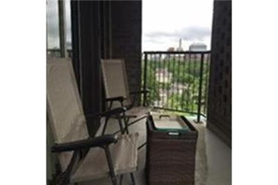 FOR RENT - Renovated 7th floor luxurious 2 bed/2 Brook House. Single Car Garage!