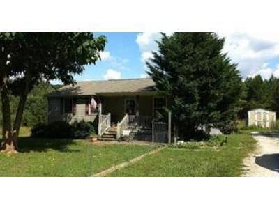 3 Bed 2 Bath Foreclosure Property in Appomattox, VA 24522 - Oakleigh Ave